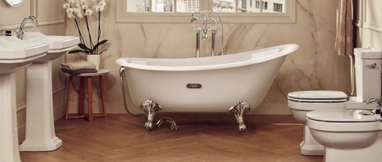 Nuova vasca Carmen per Roca