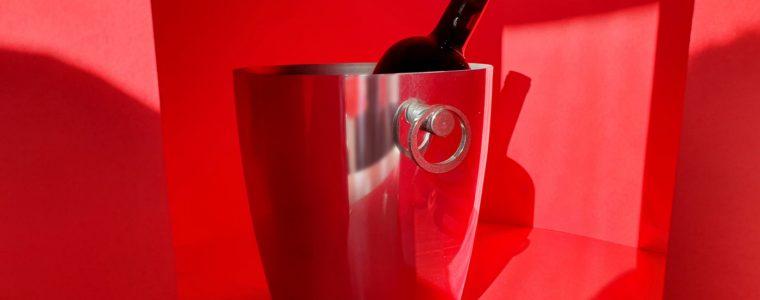 Eleganza in rosso: il secchiello Essenza per Broggi